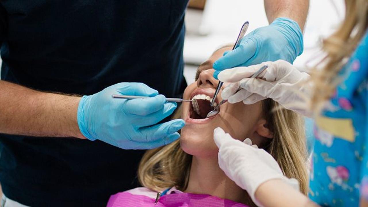 ¿Cómo saber cuándo es necesaria una endodoncia dental?