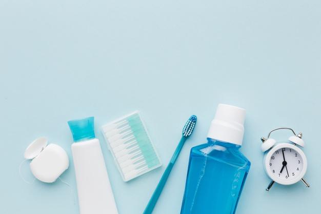 los mejores productos dentales que debes tener en tu neceser