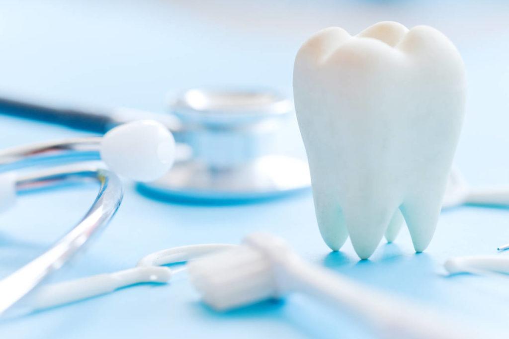 Mantén tus dientes limpios y una buena higiene bucal y tu corazón te lo agradecerá
